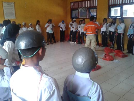 Motivasi Belajar itu Penting Nak.....! Kawasi Obi Island South Halmahera 2013