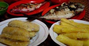 Ikan Bakar & Pisang Goreng cocol sambal